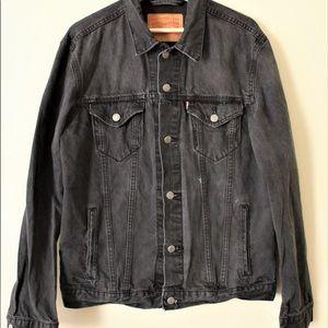 Levi's Black Denim Jacket (Brand Size: Large)